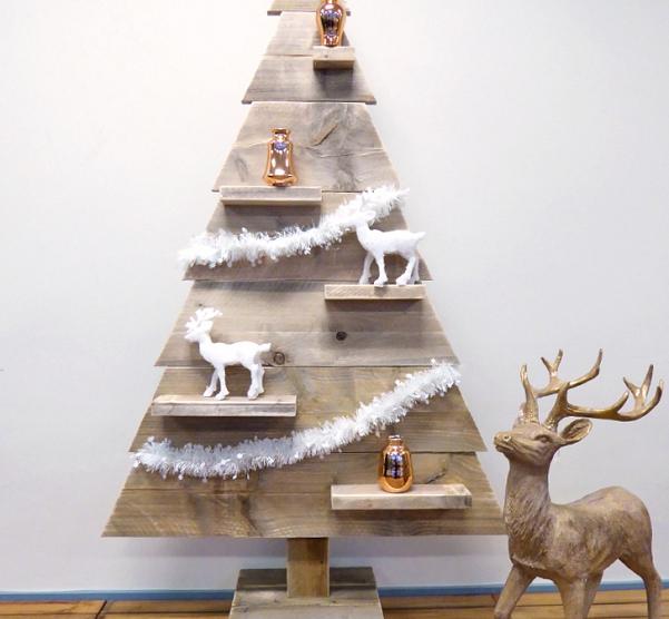 WINACTIE  Houten kerstboom met LED verlichting   FemNa40